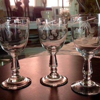 Crystal sherry glasses  - Glassware
