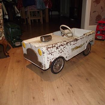 Leeway pedal car - Model Cars