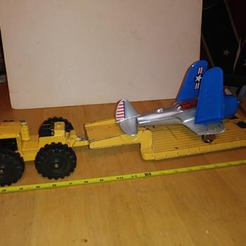 Hubley Airforce Bomber Transporter - Model Cars