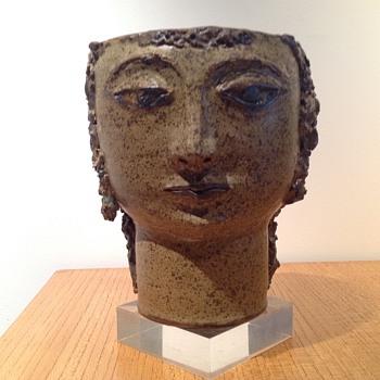 MYSTERY HEAD POT. - Pottery