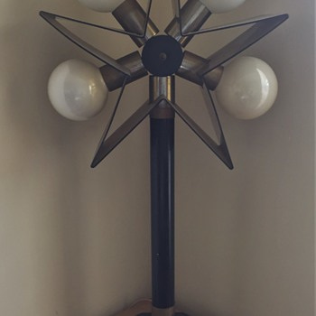 3-Ft. tall Art Deco Star lamp Cool looking 70's ??? - Lamps