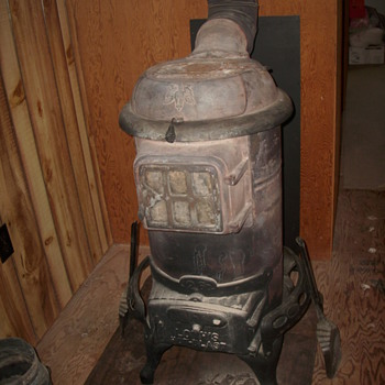 W.J Loth Wood Stove - Kitchen