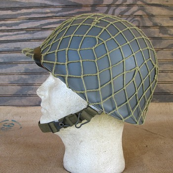 Austrian Bundesheer M75 helmet - Military and Wartime