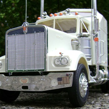 Kenworth Model Truck - Model Cars