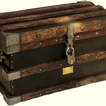 Restored VANDERMAN Trunk - Furniture