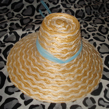 HAT FROM ITALY - Hats