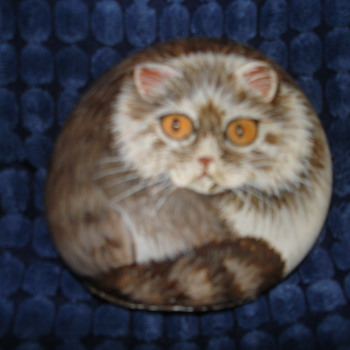 "HAND PAINTED ROCK OF A ""KITTEN"" :) BY IKU - Animals"