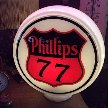 1939-1946 Non-Ethyl Premium Grade Phillips 77 Gas Globe - Petroliana