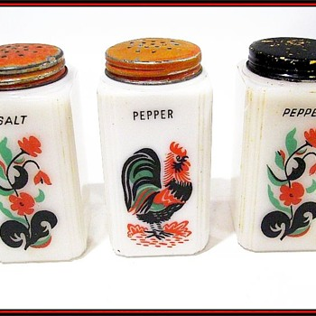 MILK GLASS - Salt & Pepper Shakers  ( TIPP USA ) - Kitchen