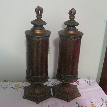 Vintage Electric Lamps what is the Company Name