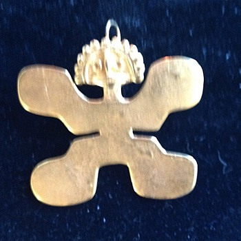 Ethnic pin/pendant - Costume Jewelry