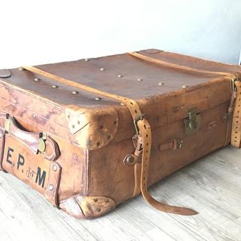 Leather trunk John Pound & Co Ltd - Furniture