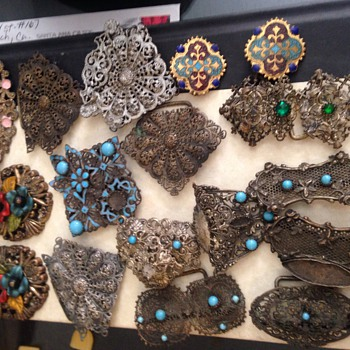 Clips,Buckles,pins & earrings - Accessories