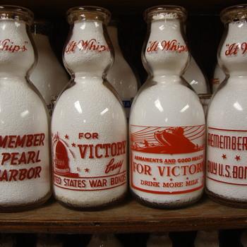ROBERTS DAIRY...LINCOLN & OMAHA NEBRASKA...SIOUX CITY IOWA CREAMTOP QUART WAR SLOGANS - Bottles
