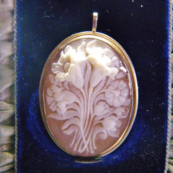 Antique Carved Floral Cameo Shell Silver Pendant Brooch  - Fine Jewelry