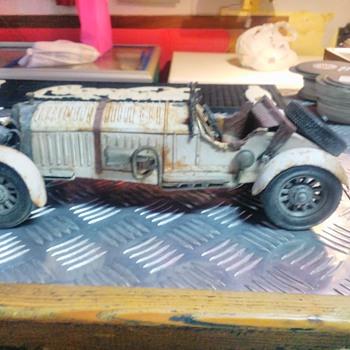Unknown tin car?