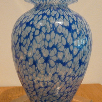 NICK MOUNT BUDGEREE VASE 1986. - Art Glass