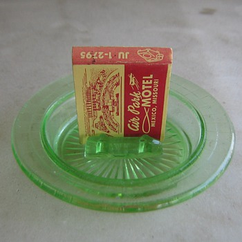 Green glass Hazel Atlas ashtray - Glassware