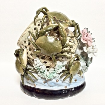 Asian Reticulated Porcelain Basket with 7 Green Crabs - Pottery