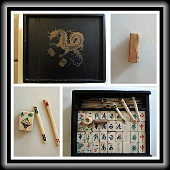Unidentifed Mahjong set