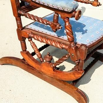 Hunzinger? - Furniture