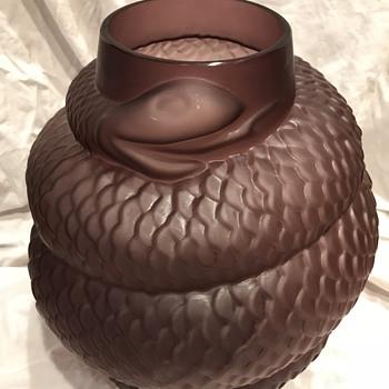 Satin Glass Snake Vase - Animals