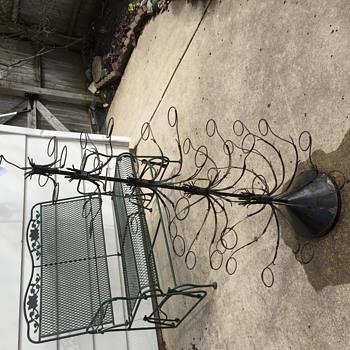 Amtique/vintage Christmas Tree??