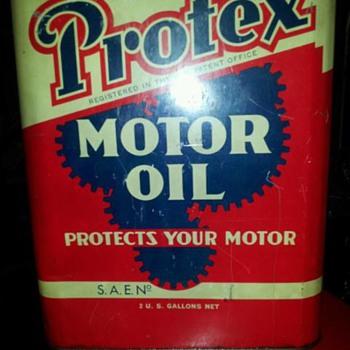2 gallon oil can - Petroliana