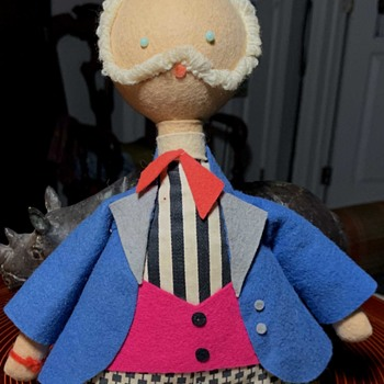 Stuffed Graduate?  Scholar?  French?  1950s/60s? - Dolls