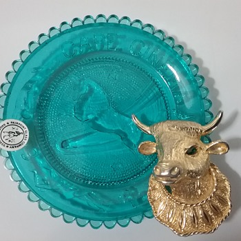 Castlecliff bull brooch, Pairpoint Glass Taurus constellation plate  - Glassware