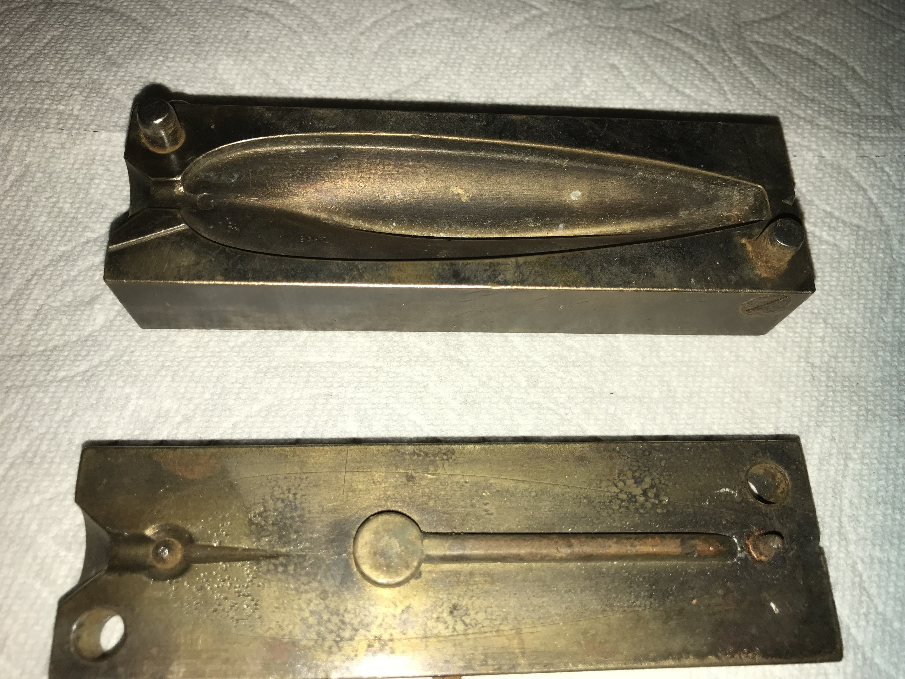 G  H  Luttrell Brass Fishing Sinker Mold   Collectors Weekly