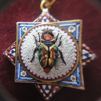 Micro Mosaic Octagonal Scarab Beetle Pendant 18 K - Fine Jewelry