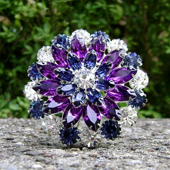 Eisenberg Ice Brooch - Costume Jewelry