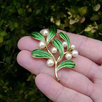 Trifari Mistletoe Pin - Under the Sea Collection - Costume Jewelry