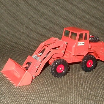 Material Moving Matchbox Monday K-3 Kingsize Hatra Tractor Shovel - Model Cars