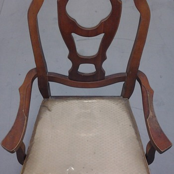 Bassett Vintage Chairs - Furniture