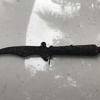 Just Found This Small Curved Blade Dagger