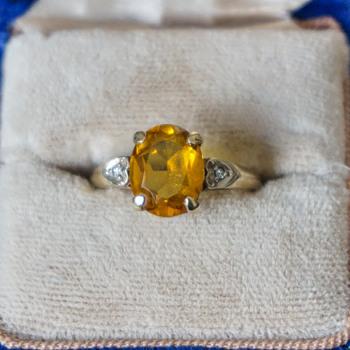 10k Gold Topaz Ring?