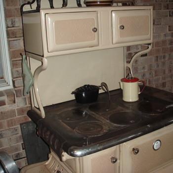 Kitchen cook stove - Kitchen