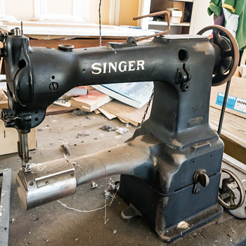 Can you identify this Singer Machine?