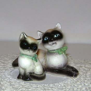 Vintage Goebel Siamese Kitten and Cat - Figurines