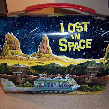 Lost In Space Original Domed Lunchbox - Kitchen