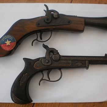 Parris vintage musket cap gun and Emg Derringer cap gun - Toys