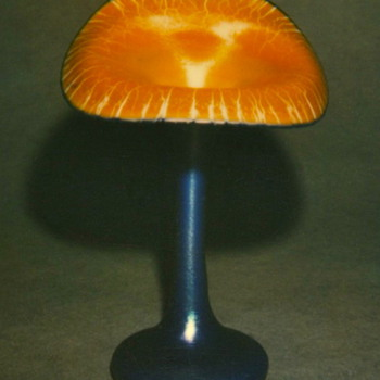 QUEZAL JACK-IN-THE-PULPIT ART GLASS VASE, circa 1915 - Art Glass