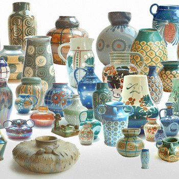 familly group picture of my elchinger collection-) - Pottery