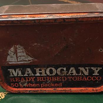 Mahogany ready rubbed tobacco tin. - Tobacciana