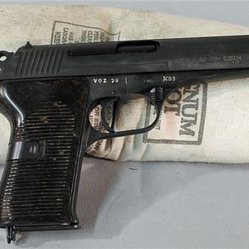 Czech CZ 52 pistol - Military and Wartime