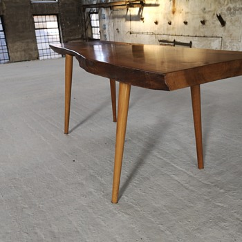 1960s table in the manner of george nakashima / carl auböck - Furniture