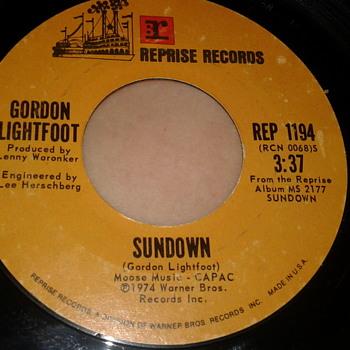 "GORDON LIGHTFOOT REPRISE RECORDS 45 RPM ""SUNDOWN"" / ""TOO LATE FOR PRAYIN'"" - Records"