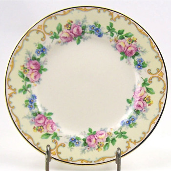 Vintage Avondale Old Ivory Plates - China and Dinnerware
